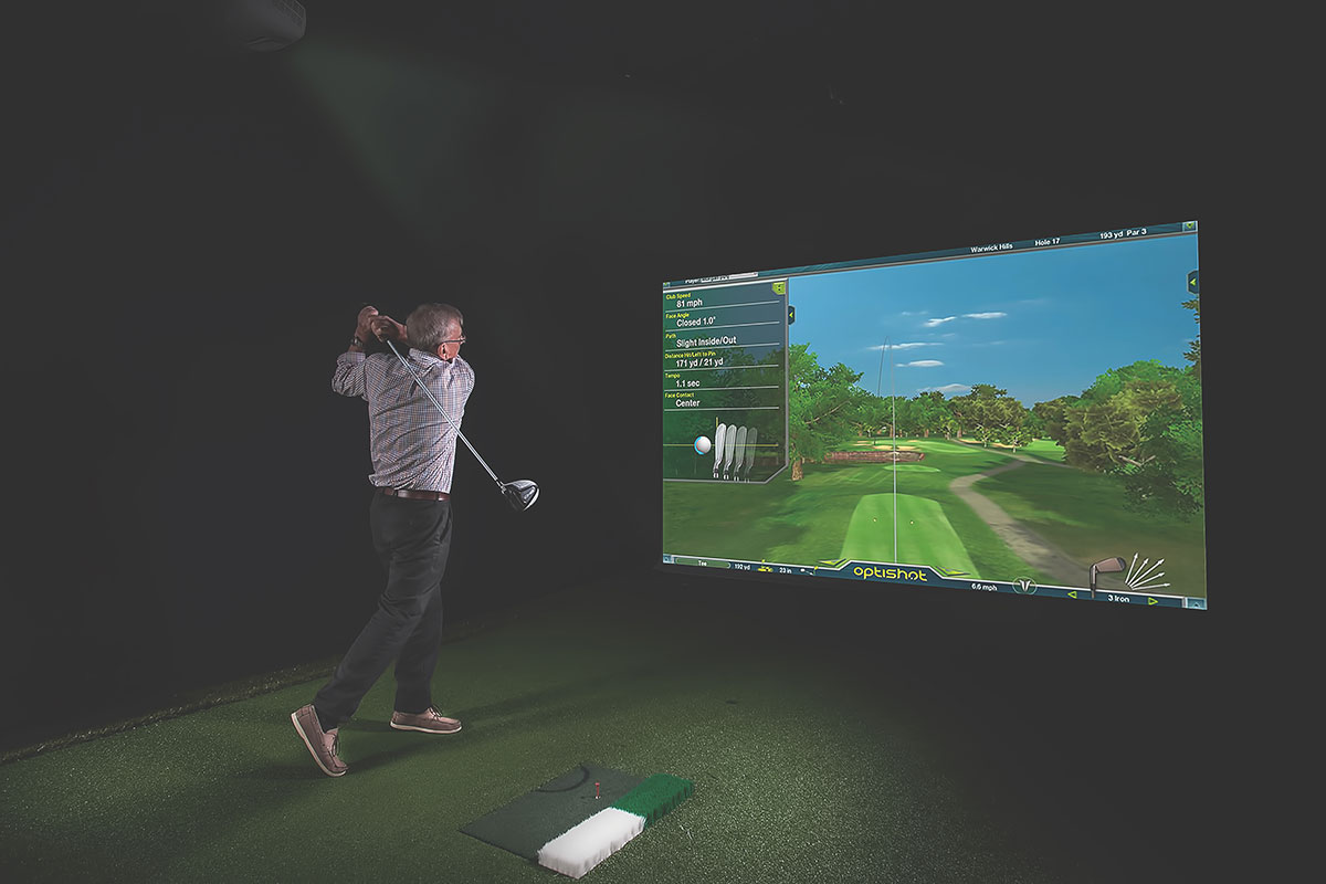 Living Gems Pacific Paradise country club golf simulator